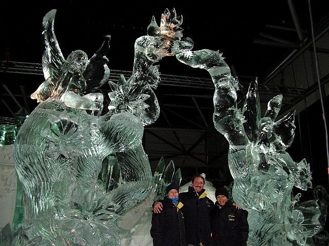 Ice Impressions Ice Sculpture Instructor Steven Berkshire with Students, Steven Berkshire, World Champion Steven Berkshire, Steve Berkshire.