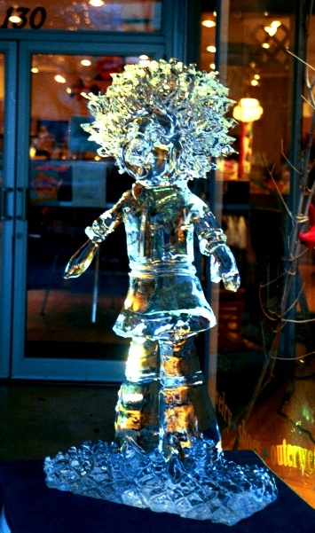 Groovy Girl Doll, Groovy Girl Doll Ice Sculpture, Groovy Girl Doll Ice Carving, Ice Impressions, Traverse City Ice Sculptures, Traverse City, Northern Michigan Ice Sculptures.