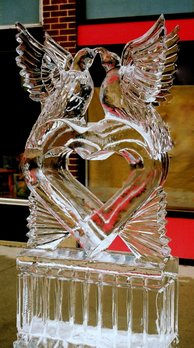 love birds, ice sculptures, ice sculptures, ice sculpture, icesculptures for weddings, michigan ice sculptures, michigan ice sculpture,  ice impressions, wedding ice sculptures, wedding ice sculpture, northern michigan wedding ice sculptures, special event ice sculptures, , wedding decor ice sculptures, luxury wedding ice sculptures, grand rapids ice sculptures.