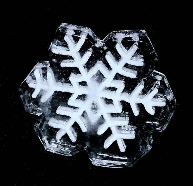 snowflake jpg, ice sculptures, ice sculptures, ice sculpture, icesculptures for weddings, michigan ice sculptures, michigan ice sculpture,  ice impressions, wedding ice sculptures, wedding ice sculpture, northern michigan wedding ice sculptures, special event ice sculptures, grand rapids ice sculptures.