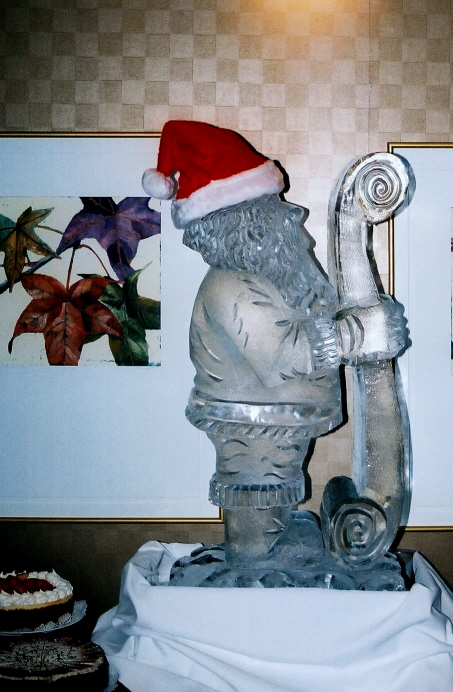 ice sculptures, christmas ice sculptures, Ice Impressions, Santa, Santa Ice Sculpture, Holiday Ice Sculptures.