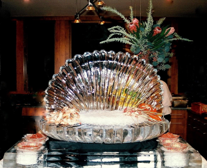 sea shell ice sculpture, clam shell ice sculpture, ice sculptures, ice sculpture, michigan ice sculpture, ice impressions, holiday ice sculptures
